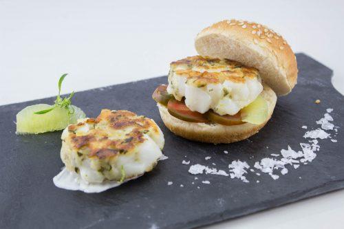 Garlic mini squid burger.